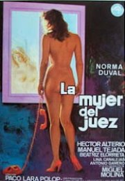 Estas Viendo La mujer del juez Erotik Film izle